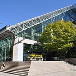 250px-Vancouver_-_law_courts_01